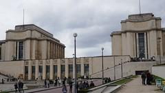 Palais de Chaillot (1935-1937), Paris XVIe, France. (byb64) Tags: paris parigi париж باريس îledefrance france francia frankreich europe europa eu ue palaisdechaillot artdéco sculpture escultura bronze bronce bronzo