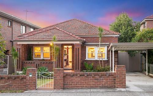 33 Wolli Av, Earlwood NSW 2206