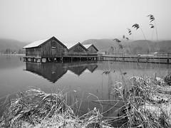 Hüttenzauber (flori schilcher) Tags: kochelsee schilcher see winter schnee wasser hütte schilf