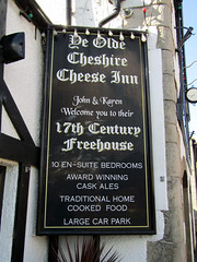 Ye Olde Cheshire Cheese Inn - Castleton, March 2018 (Dave_Johnson) Tags: castleton hopevalley peakdistrict nationalpark derbyshire yeoldecheshirecheeseinn yeoldecheshirecheese inn pub publichouse ale realale alcohol beer camra cheshirecheese cheese coachinginn seventeenthcentury 17thcentury