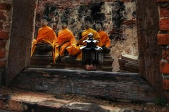 Take a look (leewoods106) Tags: ayutthaya thailand southeastasia asia fareast unescoheritagesight unesco unescoworldheritage orange buddha buddhism statue statues window windowframe wood lamp stone brick
