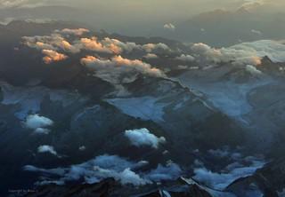 Flug über die Dolomiten (Italien) * Flight over the Dolomites (Italy) * Vuelo sobre los Dolomitas (Italia) *   . P1370028-001