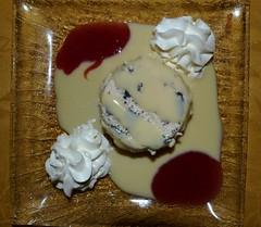 dessert at Le Juliette Dodu, St Denis