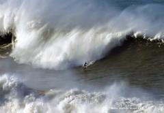 LUCAS CHUMBO / 4563NBW (Rafael González de Riancho (Lunada) / Rafa Rianch) Tags: surf waves surfing olas sport deportes sea mer mar nazaré vagues ondas portugal playa beach 海の沿岸をサーフィンスポーツ 自然 海 ポルトガル heʻe nalu palena moana haʻuki kai olahraga laut pantai costa coast storm temporal