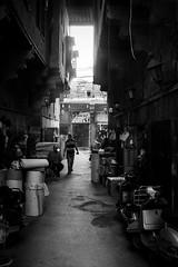 Cairo, Egypt (pas le matin) Tags: road shop alley rue street cairo man homme lecaire égypte egypt travel voyage world city cityscape candid afrique africa monochrome nb bw noiretblanc blackandwhite canon 7d canon7d canoneos7d eos7d