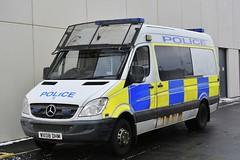 WX08 DHM (S11 AUN) Tags: avon and somerset police asp mercedesbenz merc sprinter van psu support unit pov public order vehicle carrier 999 emergency response wx08dhm