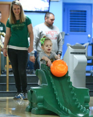 2018_Zoey_Bowling-30 (Mather-Photo) Tags: 2018 andrewmather andrewmatherphotography bowling candid canon children environmentalportraits family girl gladstonebowl green indoors inside kansascityphotographer matherphoto neice people photography portrait saturday sports sportsphotography stpatricksday zoeygrace zoeymccracken child cute fun kid