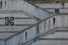 lines of staricase (Hayashina) Tags: milano milan italy staircase lines pattern