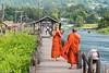 Photo time on the bridge in Mine Thauk Village (Lake Inle / Myanmar) (patuffel) Tags: mine thauk village bridge lake inle monks photo smartphone leica 50mm summmircron