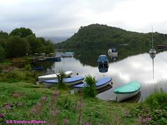 The lakes of Scotland used for leisure (Sebastiao P Nunes) Tags: lago lagoon escocia scotland loch barcos nunes snunes spnunes spereiranunes laguna panasonic lumixfz20 lake entardecer