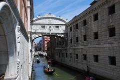 Venecia (Italia, 17-6-2017) (Juanje Orío) Tags: 2017 venecia venezia italia italy patrimoniodelahumanidad worldheritage góndola barco boat agua water canal