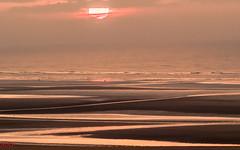 Le coucher de soleil (MRI2009) Tags: plage merdunord mer nieuwpoort coucherdesoleil