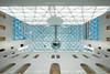 Hinaufgeschaut (_Papyrus) Tags: düsseldorf k21 museum städte architektur perspektive weitwinkel lumixg70