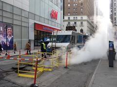 201803161 New York City Midtown (taigatrommelchen) Tags: 20180313 usa ny newyork newyorkcity nyc manhattan heraldsquare midtown urban city street