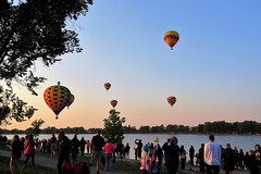 On the Shore of Prospect Lake (Patricia Henschen) Tags: balloonliftoff balloonclassic hotairballoon prospect lake memorialpark park prospectlake colorado coloradosprings downtown laborday labordayliftoff balloon balloons morning dawn