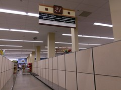 Aisle 21 - in transition (l_dawg2000) Tags: 2018remodel cordova delicatesen grocery grocerystore healthbeauty kroger labelscar marketplace meats memphis pharmacy produce remodel retail scriptdécor shelbycounty supermarket tennessee tn trinitycommons cordovamemphis unitedstates usa