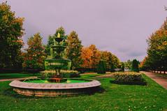 regent's park. (Virginia Gz) Tags: regentspark london england unitedkingdom uk greatbritain europe park fountain westminster cityofwestminster fall autumn