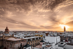 the two towers (ylemort) Tags: cityscape architecture europe famousplace church sunset city urbanscene cathedral urbanskyline town roof sky dome tower outdoors cultures buildingexterior dusk panoramic everypixel séville sevilla light canon canon5dmkiv andalousie spain