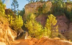 Ockerfelsen Roussillon (moni-h) Tags: france louberon olympusm14150mmf4056ii ockerfelsen oktober2017 olympusomdem5markii paca provence roussillon vaucluse provencealpescôtedazur frankreich fr