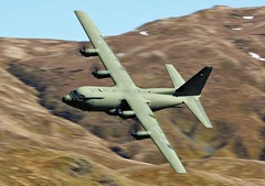 ASCOT (Dafydd RJ Phillips) Tags: zh889 hercules c130 brize norton low level mach loop lockheed martin military aviation slow shutter canon