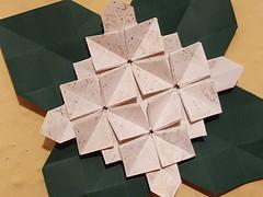 Hydrangea mit Blättern (Fujimoto) (musitine) Tags: origami tessellation fujimoto hydrangea paperart