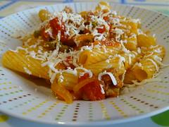 Tortiglioni con ragù e ricotta salata (RoBeRtO!!!) Tags: rdpic pasta food dish sausage tomato ragout cibo piatto tortiglioni ragù pomodoro salsiccia ricottasalata sonyhx400v