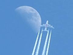 moon n airplane (germancute) Tags: moon mond nature sky himmel plane flugzeug 7dwf