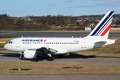 F-GUGI Air France Airbus A318-111 at Edinburgh on 1 April 2018 (Zone 49 Photography) Tags: aircraft airliner airlines airport aviation plane april 2018 edi egph edinburgh turnhouse scotland af afr air france airbus a318 318 200 111 fgugi