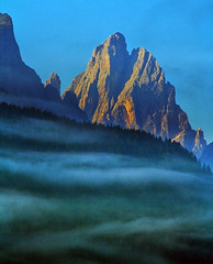 In the dreams... (Robyn Hooz) Tags: montagna dolomites mountains peaks clouds nuvole nebbia foschia cielo trentino dream