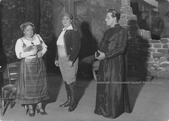 SERVERIUS, Maria - TILKIN-SERVAIS, Ernest (Don Gesnaldo, RHENA, Théâtre Royal Flamand, Anvers 1932 (Operabilia) Tags: lirica opera anvers antwerp théâtreroyalflamand operabilia raymondeserverius mariaserverius soprano claudepascalperna dominiquejpréaux rhena baritone ernesttilkinservais dongesnaldo janvandeneeden dominiquepréaux