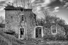 Yet Another Hopeless Case Of Decay (Ivan van Nek) Tags: nistos bize 65 hautespyrénées d75 abandoned ruraldecay decaying doorsandwindows ramenendeuren blackandwhite schwarzweis zwartwit noiretblanc ivanvannek