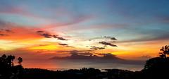 Le coucher de soleil sur Moorea de ce soir depuis les hauteurs de Tahiti (Christian Chene Tahiti) Tags: samsung s7e téléphone mobile nwn tahiti moorea punaauia pf polynésiefrançaise frenchpolynesia polynésie polynesia couleur color feu fire extérieur sunset coucherdesoleil orange noir gris jaune nuage sky cloud ciel montagne soir lumière sunlight bleu crépuscule soleil sun cloudscape sunrise île island landscapes nature silhouette