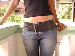wide belt img1502 (ikat.bali) Tags: gürtel fashion fetish amateur frau jeans photomodel fotomodell sexy girl ceinture cinturón ремень 带 ベルト belt thắtlưng 벨트 cintura เข็มขัด बेल्ट lady woman