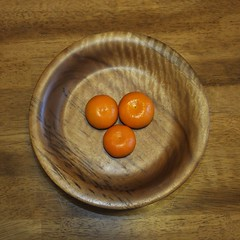 Roundness (BriarCraft) Tags: bowl clementine compositionallychallenged fruit orange round wood framing