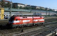 1116 005  Wien - West  xx.04.09 (w. + h. brutzer) Tags: wienwest eisenbahn eisenbahnen train trains österreich austria railway elok eloks lokomotive locomotive zug öbb taurus 1116 webru analog nikon