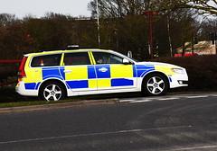 DSC_8962 Volvo (PeaTJay) Tags: nikon england uk gb royalberkshire reading winnersh british cars emergencyservices policecars police volvo