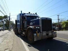 Peterbilt truck unloaded (RD Paul) Tags: peterbilt truck camion dominicanrepublic repúblicadominicana santodomingo trucks camiones