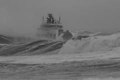IMG_9805 (monika.carrie) Tags: monikacarrie aberdeen scotland shipping marine northsea waves stormy