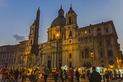 Roma Piazza (Dirk Buse) Tags: roma lazio italien ita italy italia rom piazza dämmerung sunset sonnenuntergang licht color colour farbe blaue stunde