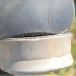 131 -- Dunlop hevea Ripped Wellies -- Bottes Hevea Dunlop trouées --  Gummistiefel Undicht -- Gescheurde laarzen thumbnail
