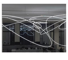 [ B L E U  /  B L A N C  /  R O U G E ] (michelle@c) Tags: urban city architecture museum modern art mamvp palaisdetokyo 1937 interior hall neon structure sculpture 1951 luciofontana abstraction troiscouleurs blue white red blau weiss rot cinematographic tribute mmmkk parisxvi 2018 michellecourteau