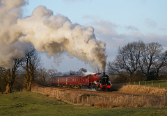 """The Red Jub Up The Bank"" Jubilee 45699 'Galatea' (Liam60009) Tags: wilpshire wilpshirebank jubilee 45699 galatea jub red sun sunset evening thecathedralsexpress cathedralsexpress mainline mainlinesteam steam steamlocomotive steamtrain steaming exhaust clag bank incline sony sonya7rii a7rii"