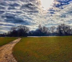 I best follow the path, to the new life I have ahead of me!😀👍😀 (LeanneHall3 :-)) Tags: landscape skyscape sky clouds talkativeclouds cloudsstormssunsetssunrises lake white blue field green grass trees branches path pathway eastpark hull kingstonuponhull samsung galaxys7edge