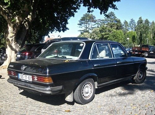 1980 Mercedes Benz W123 300d Berline A Photo On Flickriver