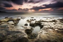 Mar, rocas, cielo y mi 80d (avilchesrico) Tags: torrevieja amanecer rocas mar cielo largaexposicion longexposure