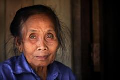 Laos: vieille dame. (claude gourlay) Tags: laos asie asia portrait retrato ritratti claudegourlay