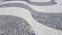 RIO DE JANEIRO (sileneandrade10) Tags: sileneandrade riodejaneiro rio viagem turismo calçadãodecopacabana ondas