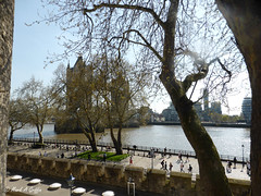 promenade (mark.griffin52) Tags: england london trees toweroflondon embankment walkway riverthames battlements cityscape