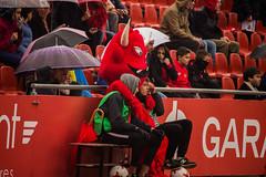 _MG_9930 (sergiopenalvagonzalez) Tags: futbol domingo palma de mallorca pelota jugadores aficion rojo negro pasion