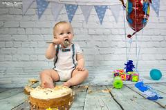 1st. Birthday cake smash (andyp178) Tags: birthday boy cake smash one balloon baby reggie toddler portrait messy nikon tamron spoon toys photoshoot